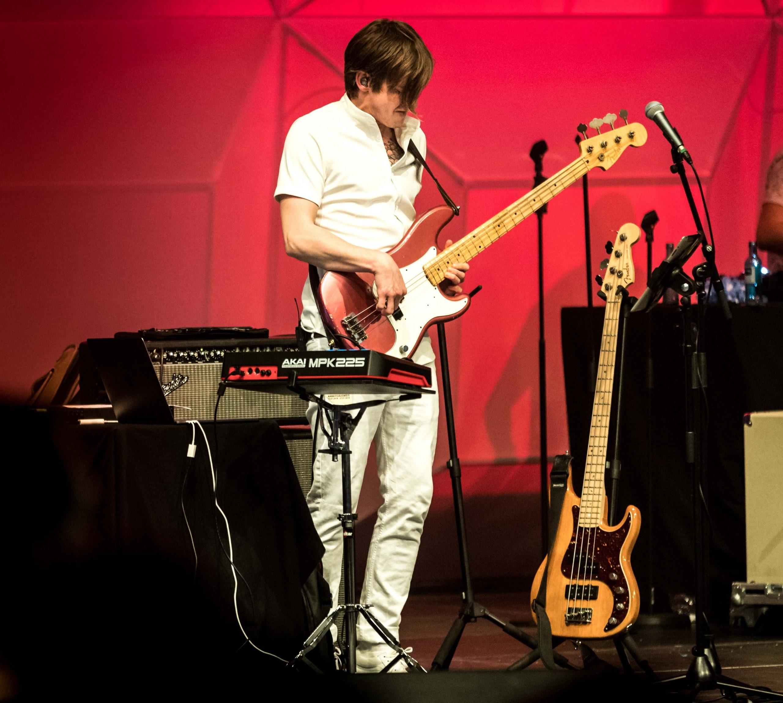 FRESH-MUSIC-LIVE_BASS_MARTIN_ZIAJA__01