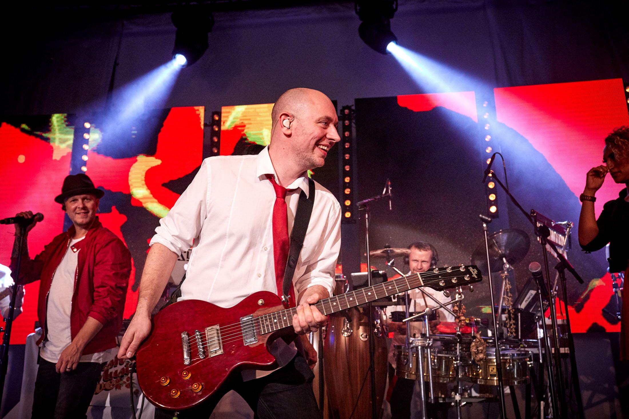 FRESH-MUSIC-LIVE_GUITAR_FLORIAN_WALTHER_04