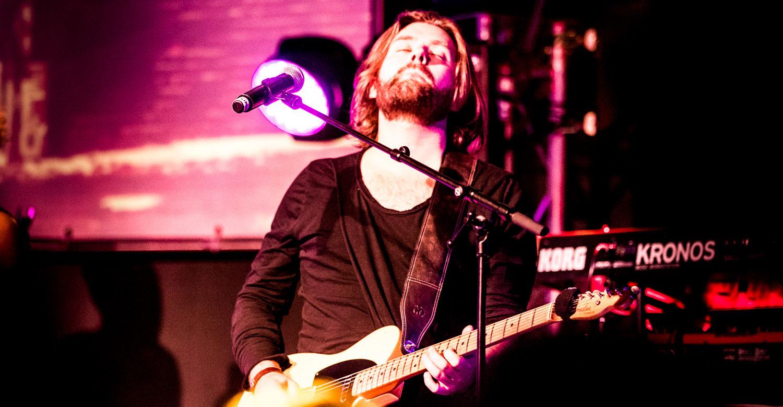 FRESH-MUSIC-LIVE_GUITAR_SIMON_MATNHEY_02