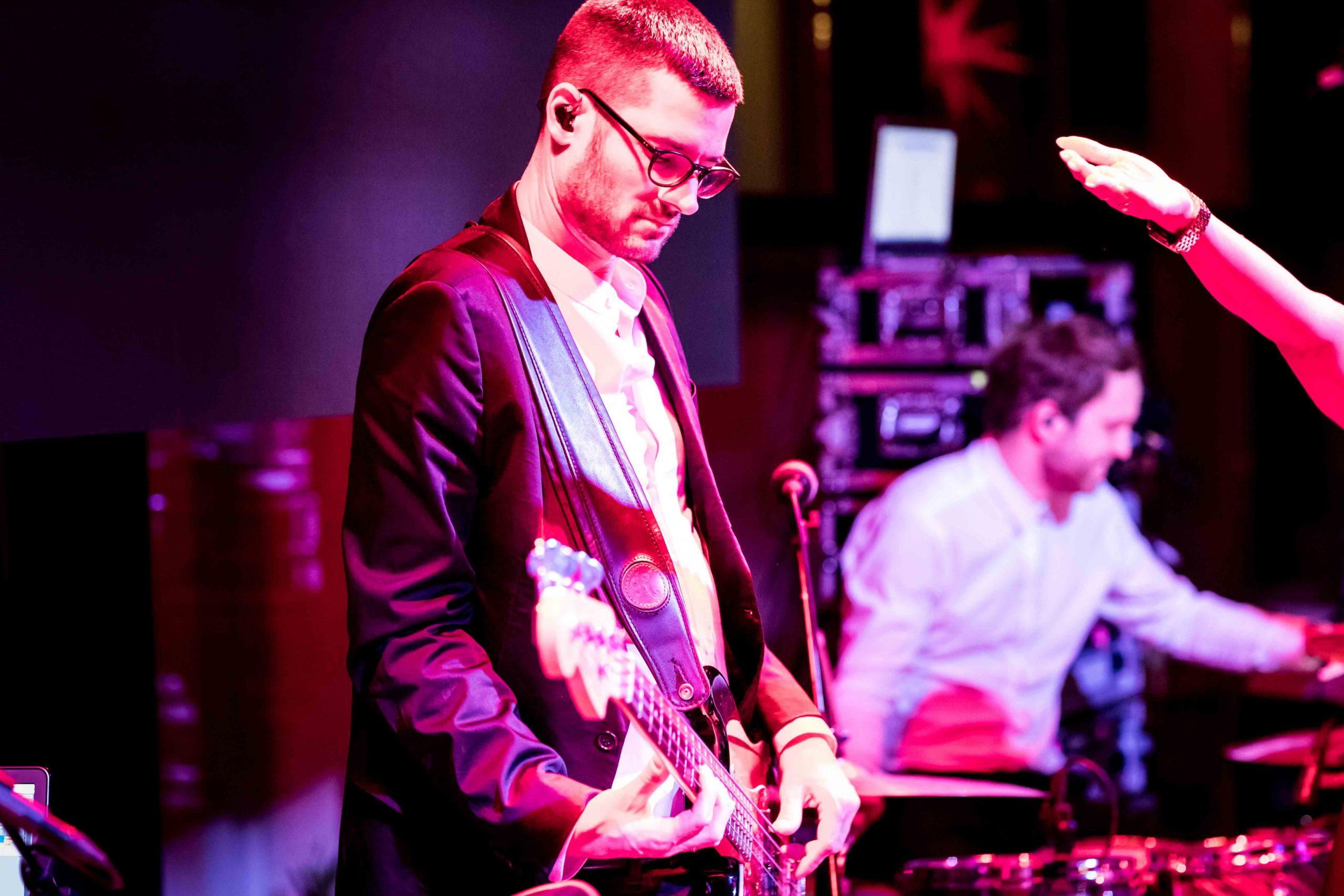 FRESH-MUSIC-LIVE_MUSICIAN_ALEX-HEILMANN_06