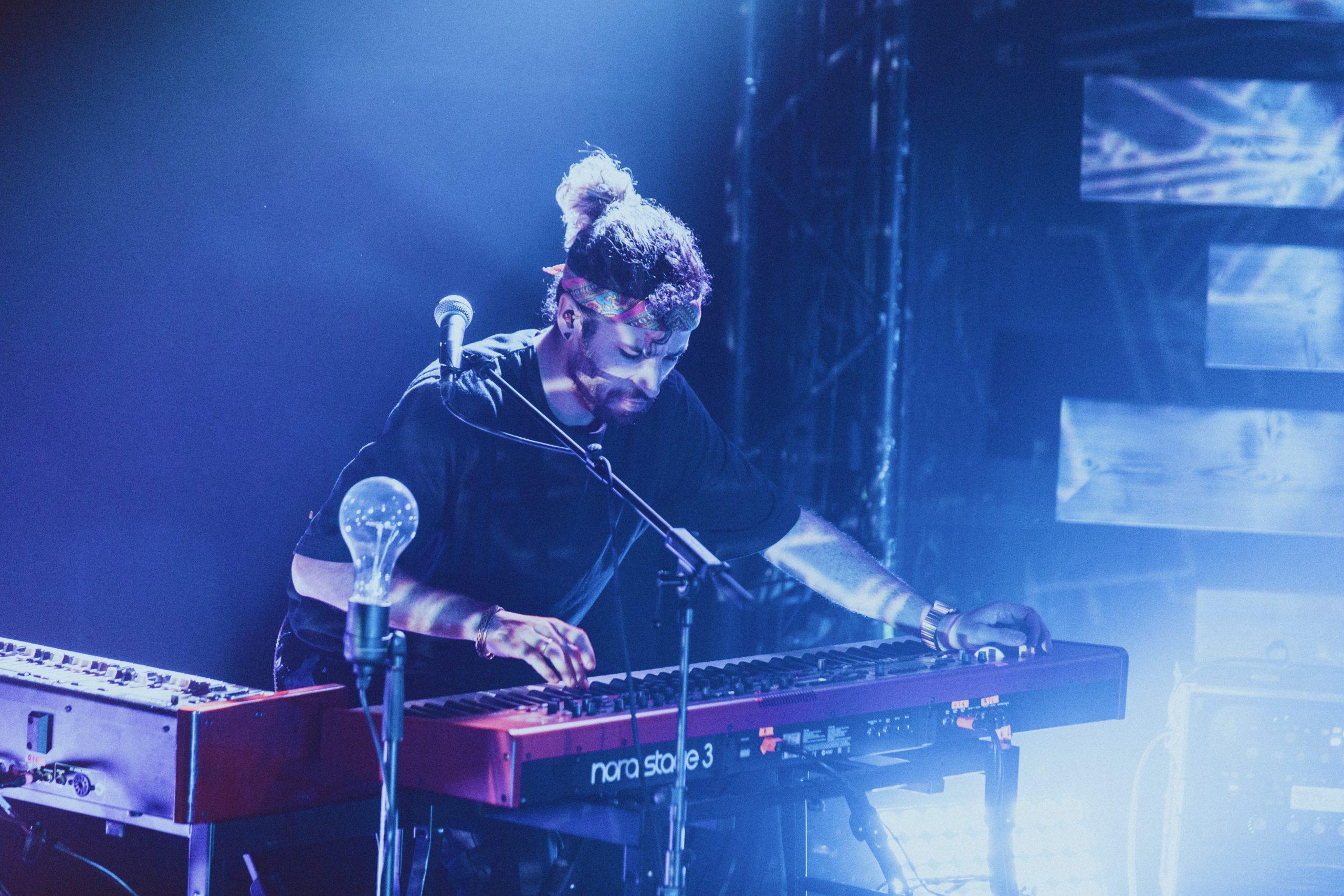 FRESH-MUSIC-LIVE_KEYBOARD_GABRIEL_DENHOFF08