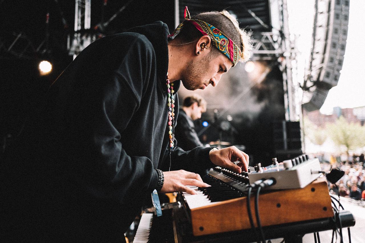 FRESH-MUSIC-LIVE_KEYBOARD_GABRIEL_DENHOFF02