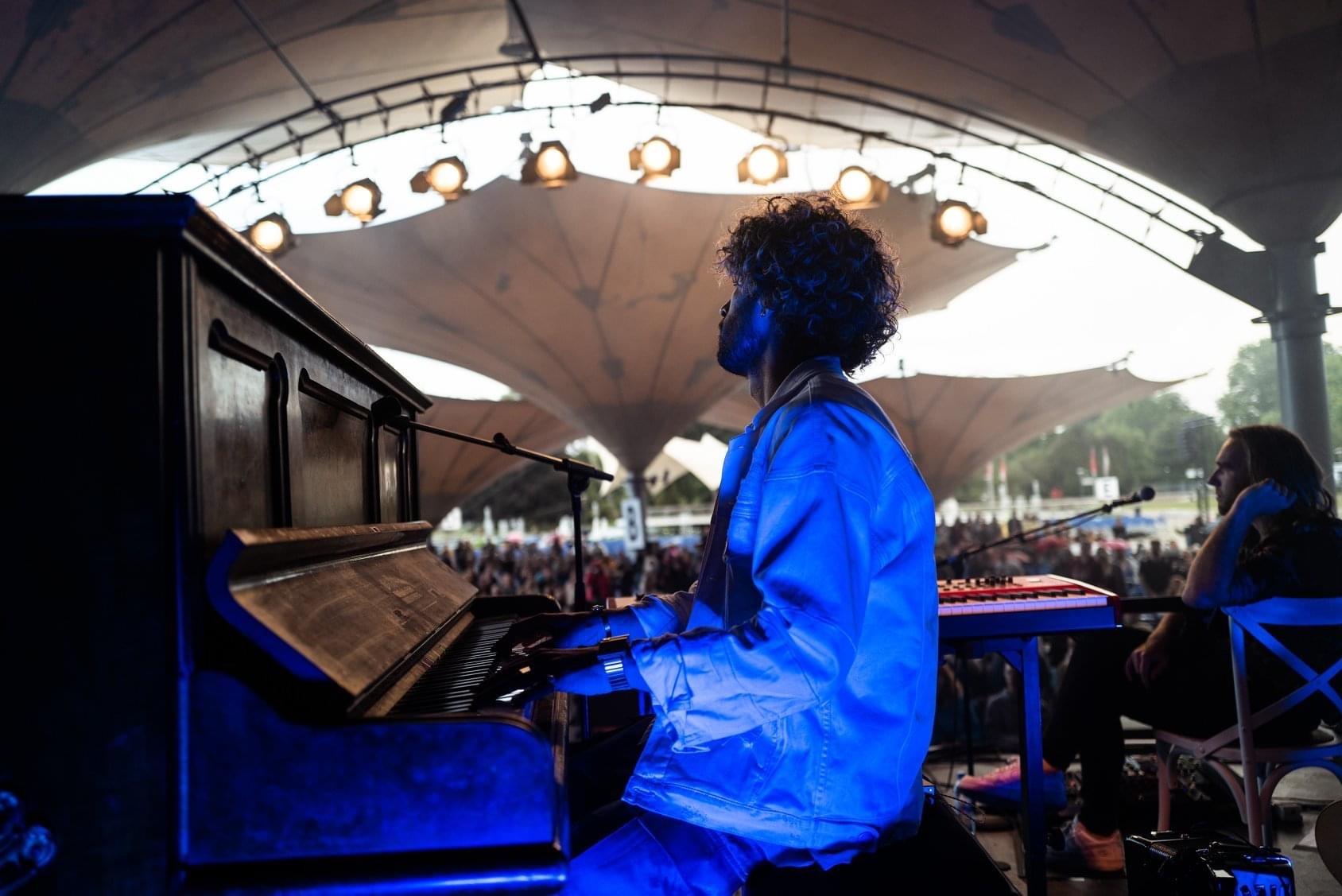 FRESH-MUSIC-LIVE_KEYBOARD_GABRIEL_DENHOFF05