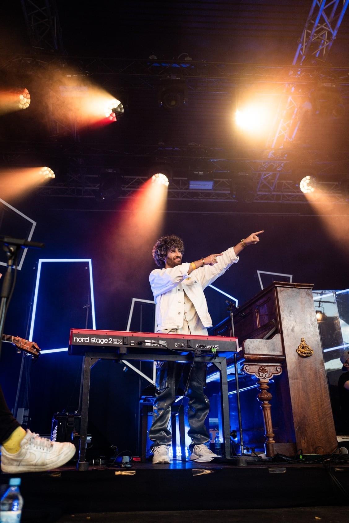 FRESH-MUSIC-LIVE_KEYBOARD_GABRIEL_DENHOFF06